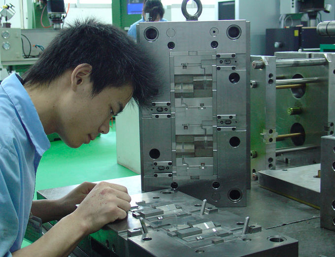 Shear handle plastic injection mold , PP material contract manufacturing